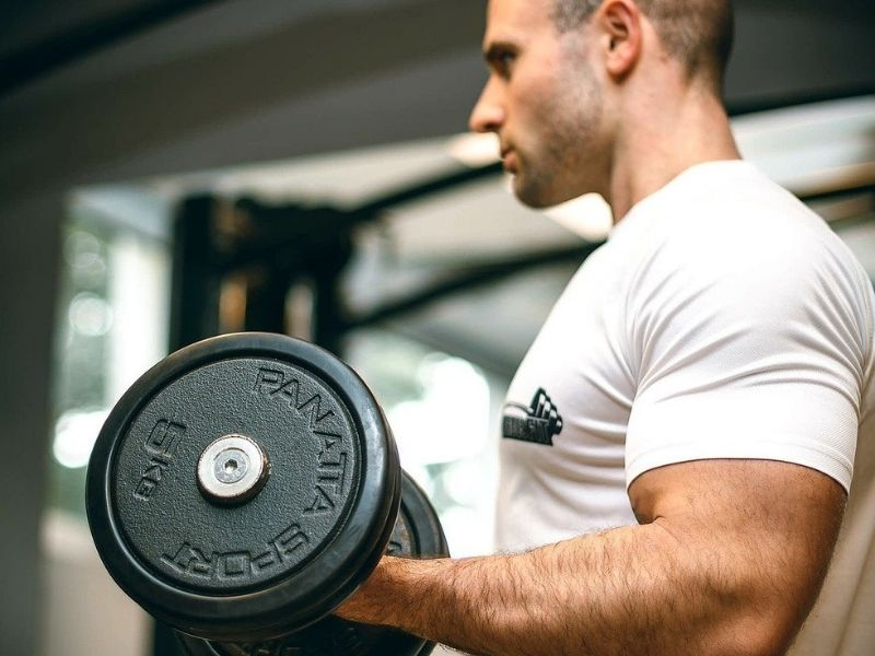 Isometric Bicep Hold With The Dumbbell