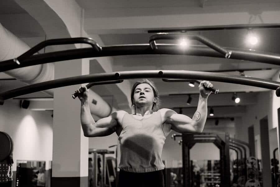 Bodyweight calisthenics full-body workout and exercises