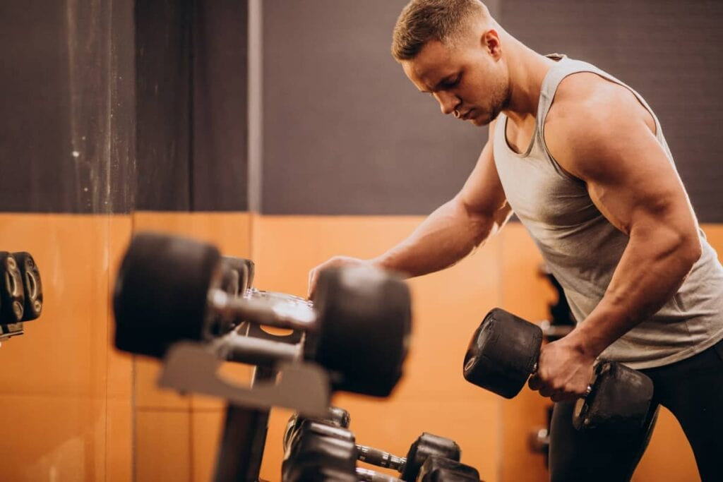 How Do You Hit Your Lats with Dumbbell Exercises?